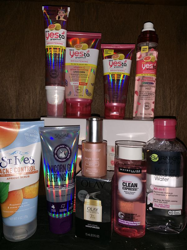 Face scrub, makeup removers, mud masks, etc ...