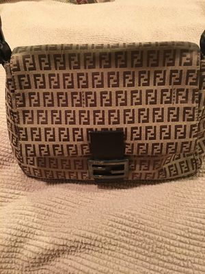 Preowned AUTHENTIC Fendi Zucca canvas signature hobo shoulder bag for Sale in San Diego, CA