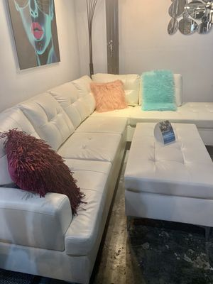 Beautiful white sectional sofa 😍💕 ready to deliver ! We are open 😄we finance! GOOD DEAL for Sale in St. Cloud, FL