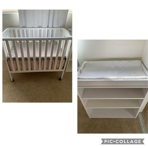 Crib and changing table bundle for Sale in Orange, CA