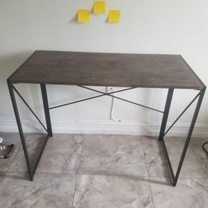 Table + chair + lamp for Sale in Fort Lauderdale, FL