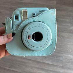 Polaroid camera with case for Sale in Sacramento,  CA