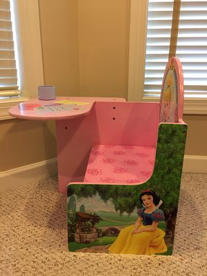 Disney Princesses Desk for Sale in Oakton, VA