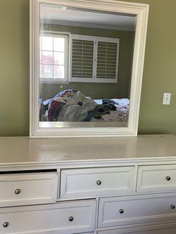 Vanity/dresser for Sale in Los Angeles,  CA