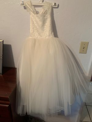 Flower girl dress size 6 Ivory for Sale in Gilroy, CA