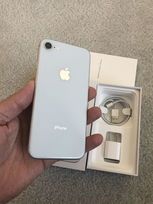 iPhone 8 64 GB like new for Sale in Chantilly, VA