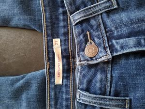 Levi Ripped Jeans for Sale in Hanford, CA