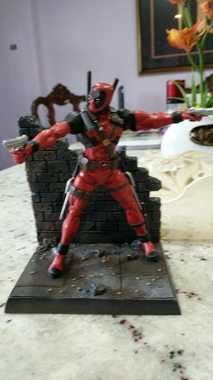 Diamond select 6 inch Deadpool action figure for Sale in Adelphi, MD