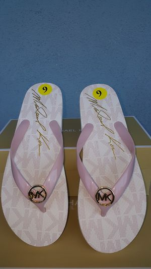 New Authentic Michael Kors Women's Baby Pink Flip Flops Sizes Available 6 and 9 ONLY for Sale in Montebello, CA