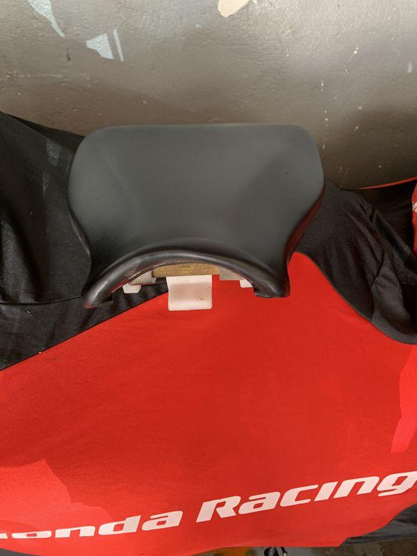 2009-12 Honda CBR 600RR. OEM Front Seat Used