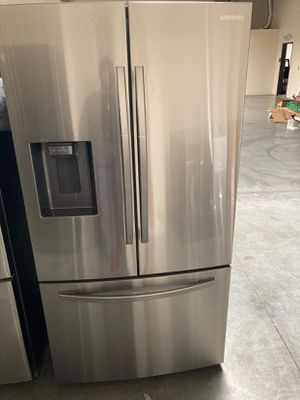 Samsung Fridge 27 cu. ft. French Door Refrigerator for Sale in Whittier, CA