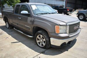 08 GMC Sierra FOR PARTS PARTING OUT CARS CAR PARTS for Sale in Houston, TX
