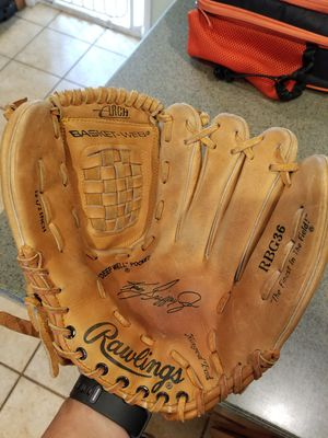 "12.5"" Rawlings baseball softball glove broken in for Sale in Norwalk, CA"