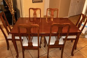 Cherry wood 7 piece dining table for Sale in Miami Springs, FL
