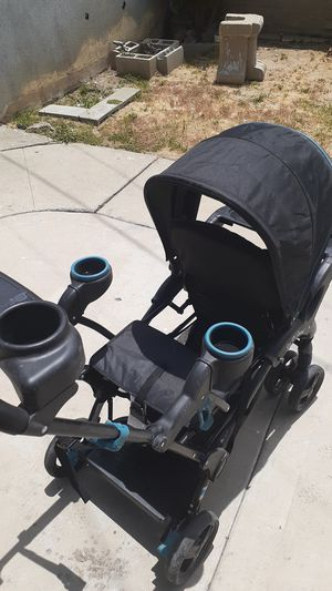 Sit and stand double stroller for Sale in Commerce, CA