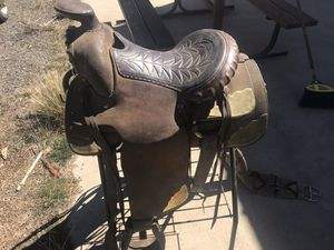 7 saddles and tack. for Sale in Austin, CO