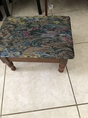 Small foot rest bench for Sale in Fort Lauderdale, FL