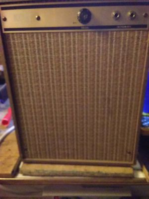 Vintage USA Kent tube amp for Sale in Artesia, NM