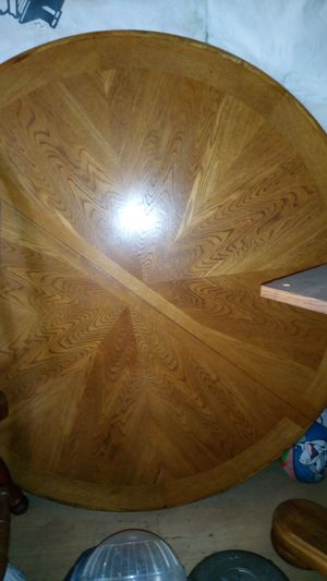 Real wood pedestal table and 5 chairs for Sale in Maplewood, MN