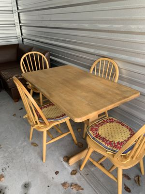 Kitchen table for Sale in Haines City, FL