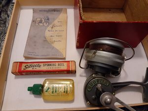 Ru * Star Fishing Reel *Complete* for Sale in Seattle, WA