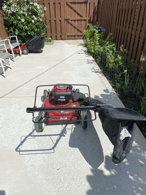 Craftsman lawn mower for Sale in Chicago, IL