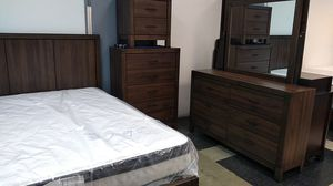 Woodgrain bed set 40 down same day delivery for Sale in Columbus, OH