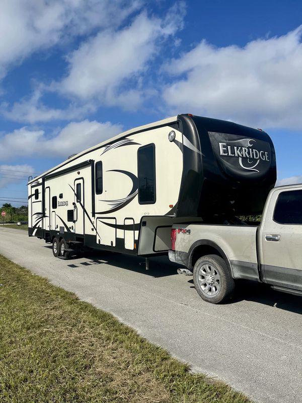2015 Heartland Elkridge Fifth Wheel Travel Trailer Camper