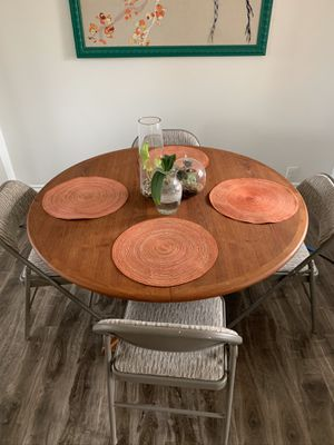 Round Expanding Table for Sale in Santa Ana, CA