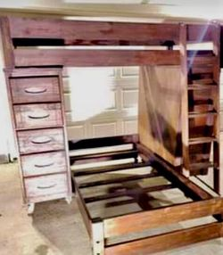 ❗️ PRICE DROP❗️ TWIN BUNK / LOFT BEDS ~ STUDY ~ DRAWERS ~ STORAGE for Sale in Katy,  TX