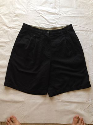Lauren Ralph Lauren Women's tennis shorts Size 6 . 100% Microfiber Polyester Black Shorts. 28' waist . 18' length for Sale in Cathedral City, CA