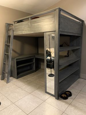 Loft bunk bed (Full) for Sale in Anaheim, CA