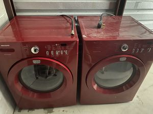 Frigidaire front load washer and dryer for Sale in Aurora, CO