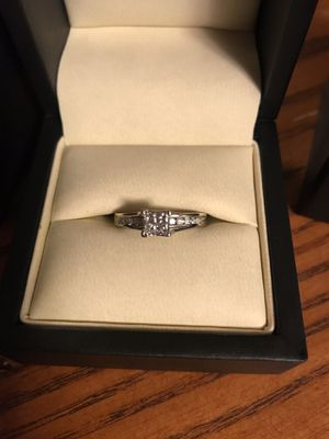 Wedding ring for Sale in Eatonville, WA