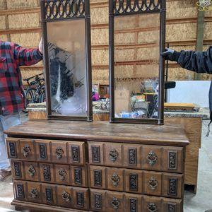 Antique Dresser for Sale in Buckley, WA