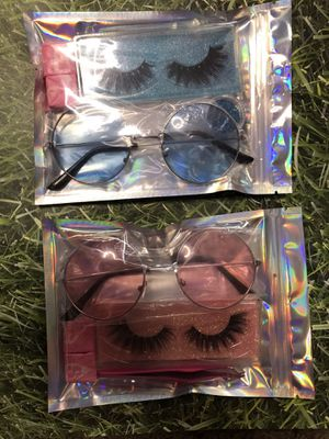 Eyelashes bundles /sunglasses for Sale in Victorville, CA