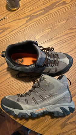 Merrel waterproof hiking boots mens size 11.5 for Sale in West Springfield,  VA