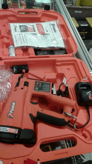 Paslode Pneumatic Brad Nailer Model 918100 for Sale in Tampa, FL