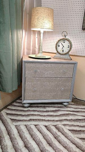 Diamond Tufted snakeskin Silver Bedroom w/all!! for Sale in Fort Worth, TX