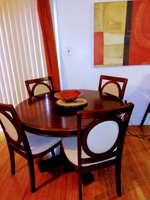 Dining room table for Sale in UPPR CHICHSTR, PA