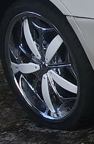 20 inch rims 5 lugs universals sale or trade for other 20s or 19s for Sale in Tampa, FL