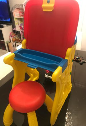Crayola Play 'N Fold 2-in-1 Art Studio Easel Desk With Stool & Storage for Sale in Hollywood, FL