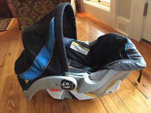 Baby Trend EZ Flex-Loc Infant Car Seat + Base for Sale in Alexandria, VA