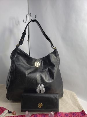 Tory Burch Hobo Handbag - Black, Leather, whit Wallet 100% Authentic for Sale in San Antonio, TX