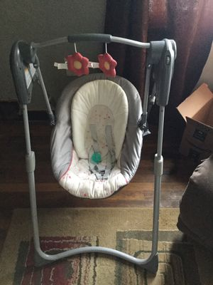 Baby swing for Sale in Pittsburgh, PA
