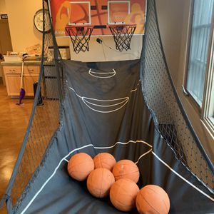 Arcade Basketball Hoop for Sale in Stanwood, WA
