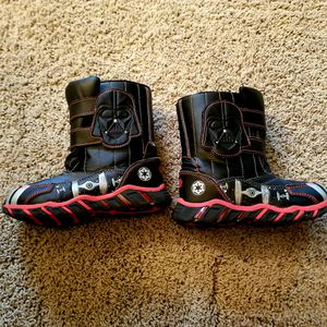 Darth Vader snow boots size 11 /12 little kids for Sale in Shorewood, IL