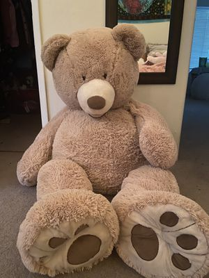 Giant teddy bear for Sale in Auburn, CA