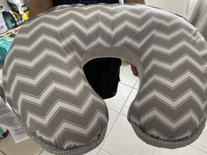Breast feeding pillow for Sale in Doral, FL
