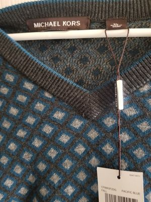 MICHAEL KORS MENS SWEATER for Sale in Austin, TX